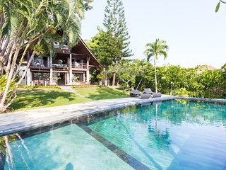 Luxury Indonesian Villa, Canggu, Bali. 1 km d'Echo beach