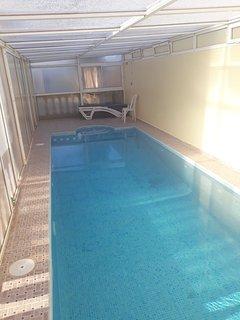 Agadir ,drarga ,appartement dans villa avec piscine