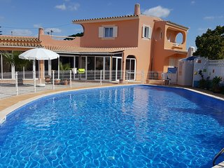 **GAMBELAS FLAG HOUSE** APT.FARO/ SUPER GREAT POOL / BEACH / NATURE