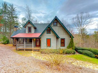 Secluded cabin w/ a private hot tub and paved road access! Near hiking/fishing!
