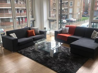 Duplex 2 bed 2 bath apartment nr Shoreditch