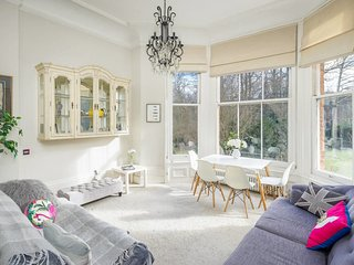Gorgeous 2Bed 2Bath in West Hampstead 1Min to Tube