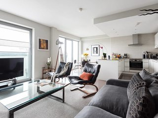 2Bed Duplex Apartment, 2Balconies, St Paul's view