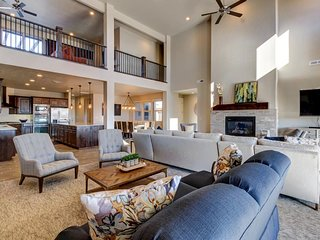 Huge reunion home w/ private hot tub, theater, game room, resort pool, tons more