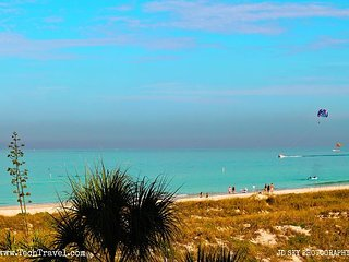 Cabrillo Beachfront Luxurious Tropical Vacation Retreat on St. Pete. Beach