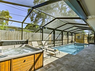 Largo Home w/Private Pool & Spa-4 Miles to Beach!