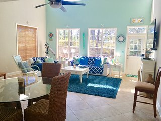 Sep 21-27 (2nt min)~Lovely Coastal Home, 1/2 Mi to Beach*Sleeps 12*Pet Friendly