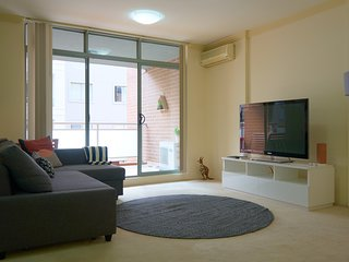 PREMIUM 2BR Apt in Pyrmont (free parking) 53