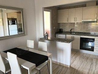 Apartamento recién reformado de 2 dormitorios en Benidorm Poniente