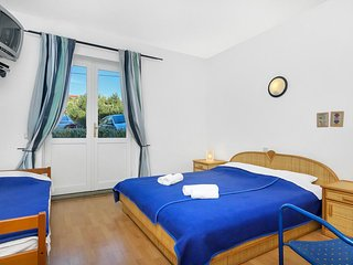 Room Pokrivenik, Hvar (S-2069-b)