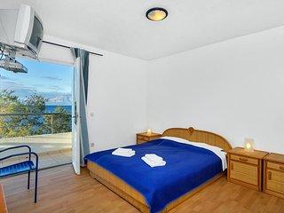 Room Pokrivenik, Hvar (S-2069-n)