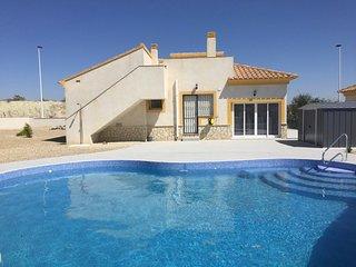 Numero Uno : Spacious Luxury 3-Bedroom Villa with Pool, Wi-Fi, Air Con