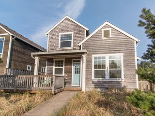 Shoreham Cottage #111 - Lovely, newer 4 bedroom cottage near beach in Pacific CI