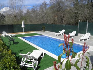 Bonita villa en Aiguaviva Park ( Lloret de Mar ) con piscina privada para 6 pax.
