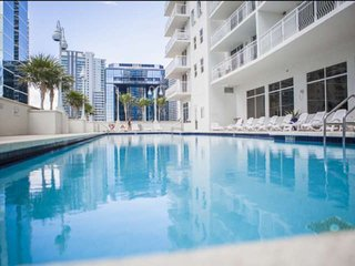**Summer Promo**  Endless views of Brickell atop this luxury condo, pool, gym, N