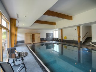 House 33 -  beautifully furnished home, with shared pool & gym, close to beach !