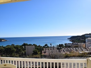 APARTMENT PAHER, A S'AGARÓ WITH SEA VIEW, POOL AND COMMUNITY TENNIS
