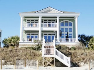 Ocean Point Luxury Beach House on The Litchfield Peninsula!