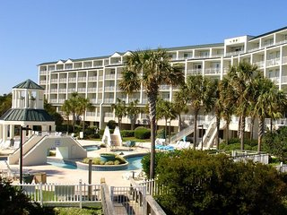 Oceanfront Condo with Pool, Lazy River & Indoor Pool!