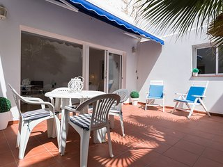 APARTMENT WITH TERRACE  CLOSE TO THE BEACH GC22