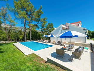 4 bedroom Villa in Mihatovici, Croatia - 5605755