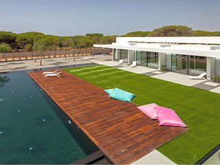 6 bedroom Villa in Benfarras, Faro, Portugal : ref 5605838