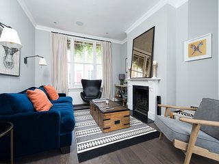 Stylish and Spacious 2BR House in Hammersmith