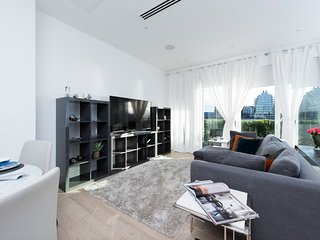 Luxurious 2BR House on the Thames