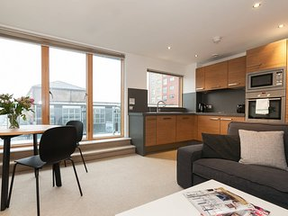 Modern 2BR Flat in the heart of Manchester