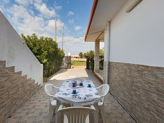 1037 Holiday Home near the Sea in Porto Cesareo