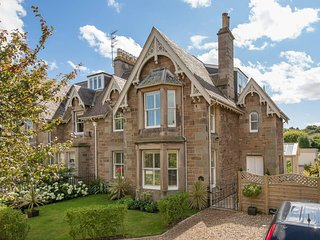 The Old Warden a stylish, contemporary, 4 bed family holiday home, North Berwick