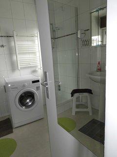 DU/WC - incl. Waschmaschine und Handtuchtrockner