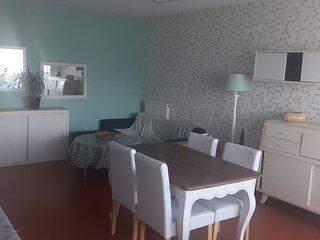 Appartement entier, spacieux et cosy au 2 étages. Calme bien isolé, résidence sé