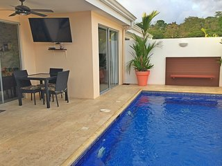 Family house with private pool and BBQ