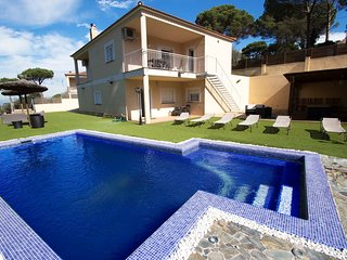 Catalunya Casas: Lovely Villa Macanet for 13 guests, only 15km to the beaches of