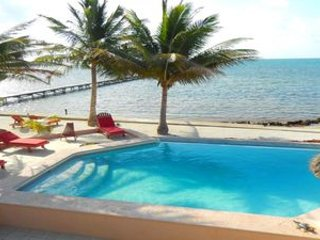 8 BEDRM/5 BATH PRIVATE VILLA WITH GORGEOUS VIEWS OF THE SEA AND REEF