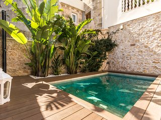 Townhouse Guilló with pool