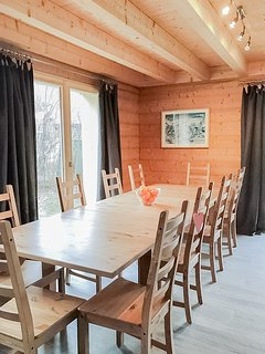 Dining area with a table for 10 persons