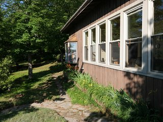 Lakefront cottage close to The Thousand Islands offering private dock, swimming.