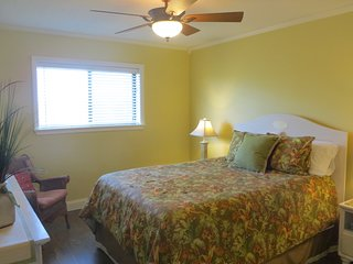 Oceanside Family Resort-Boardwalk to Beach, Pools, Tennis! (Building 1)