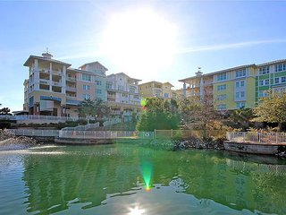 Luxurious 2 Floor Penthouse in the Village with Ocean View!