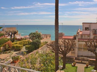 CM442 - Holiday rental home in the center of Sant Pol de Mar in Costa Barcelona