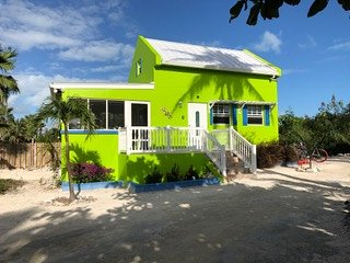 NEW POOL ! That Charming Gecko House - Grace Bay / Turks and Caicos