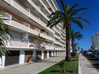 Apartamento dulplex, a 50 mtrs playa. Fabulosa piscina.