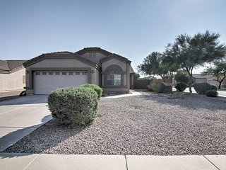 Quiet Casa Grande Home Close to Town & Bike Paths!