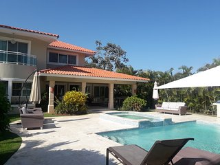 PuntaCanaisFUN Party Group Villa with Airport Transfer Included