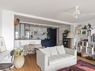 Apartment close to the Moulin Rouge - W337