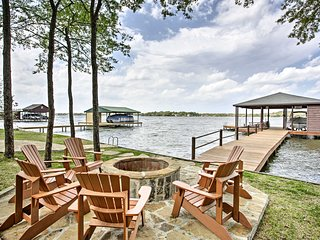 NEW! House w/ Deck & Fire Pit on Cedar Creek Lake!