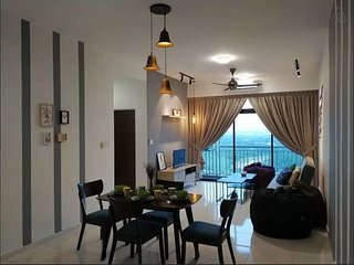 Setia Tropical Cozy Comfy - Lemon Homestay