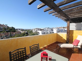 Cozy 2BR Apartment Close to Everything - Riviera del Sol